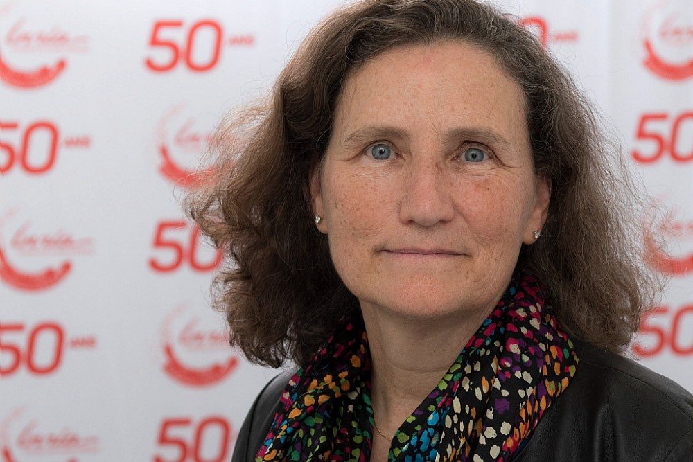 [#HumanMachineInteraction] (Re)Discover Wendy Mackay #ExSituTeam Research Director and recently appointed #ACMFellow . Her challenge? To understand how human and machine help each other.  ▶️  #HMI 📷Inria - G. Scagnelli