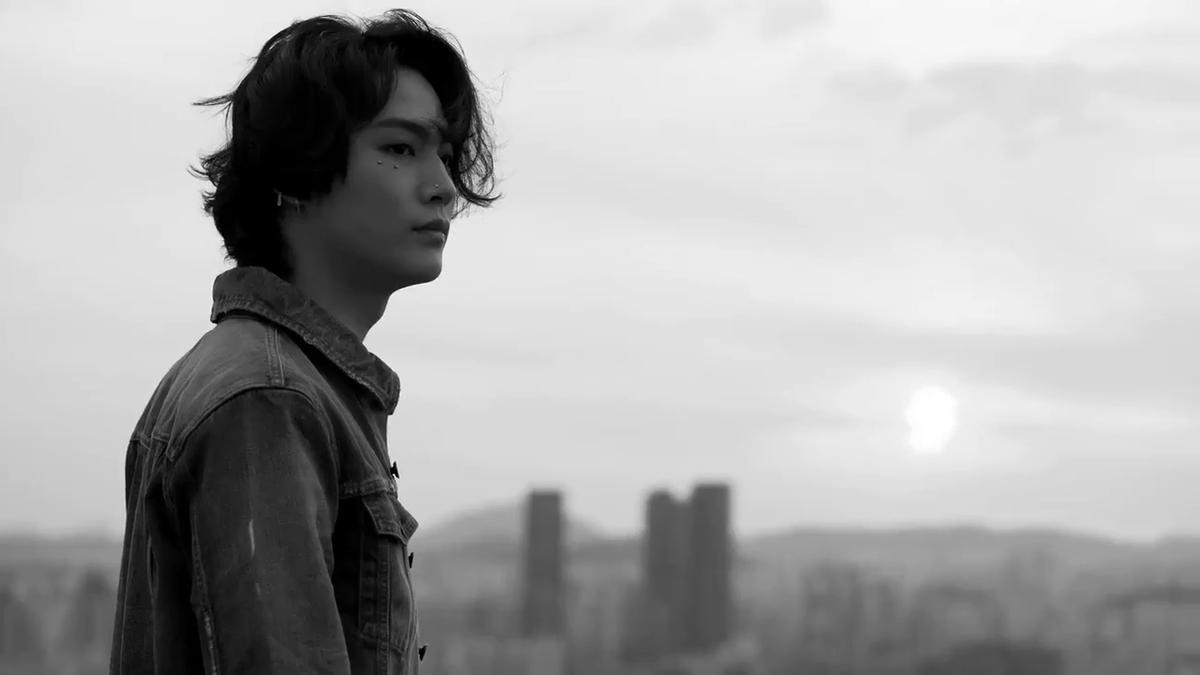 GOT7 JB wearing SPRING SUMMER 20 DAZED KOREA EDITORIAL @dazedkorea  DIRECTED by HEE-DAE SHIN FILMED by JIN-SOL JUNG  #YSL #SaintLaurent #YvesSaintLaurent #GOT7 #JBpic.twitter.com/IN5bLPKhXj