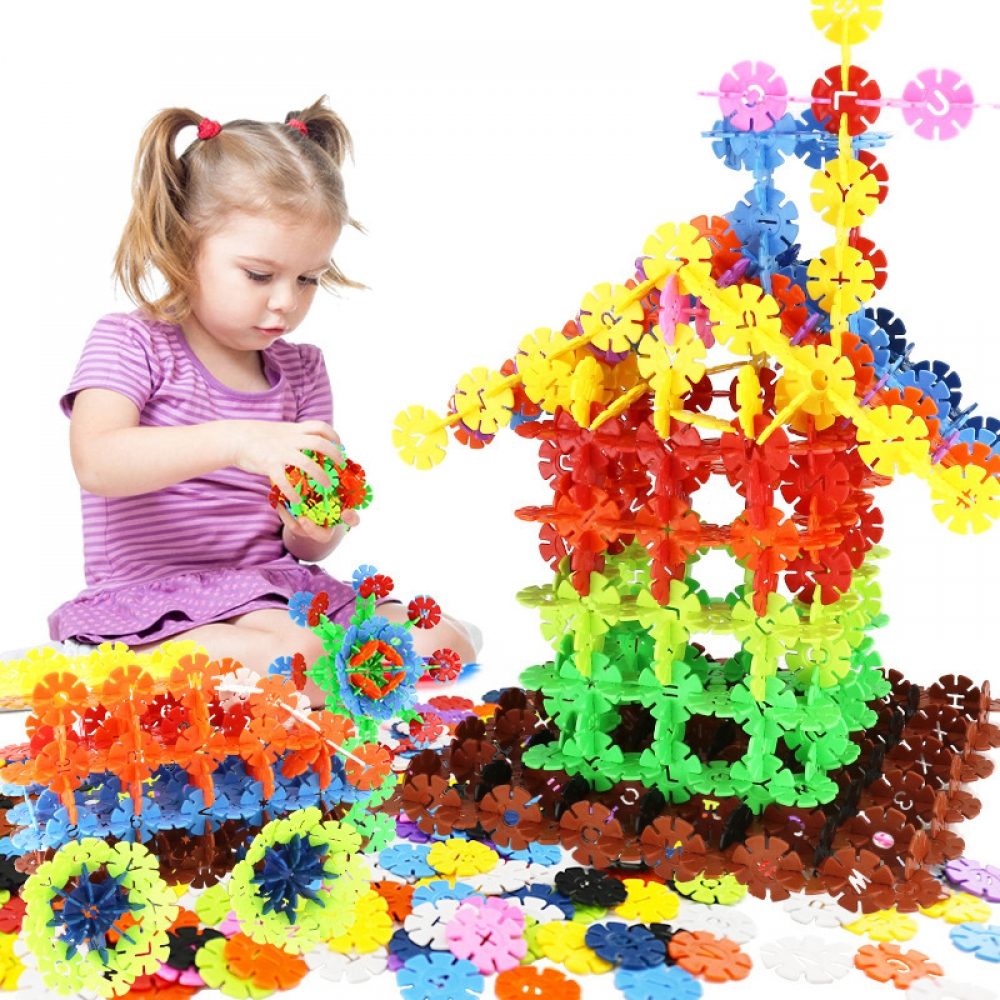 #tagsforlikes #preschool #kindergarten #dolls #collectibles #color Color Snowflake Building Blocks