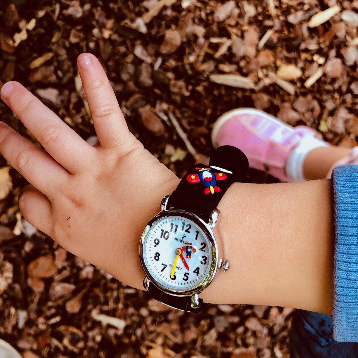Mímalos con un reloj de la colección Kids #Nowley #kids #relojes #boys #girls #yomequedoencasa #reloj #kids #niños #mimatushijos #juntosesmejor #tiempo #horas #juegos #crecerjuntos #diversion #watches #aeroplane #dibujos #yoactuo #yaquedamenos