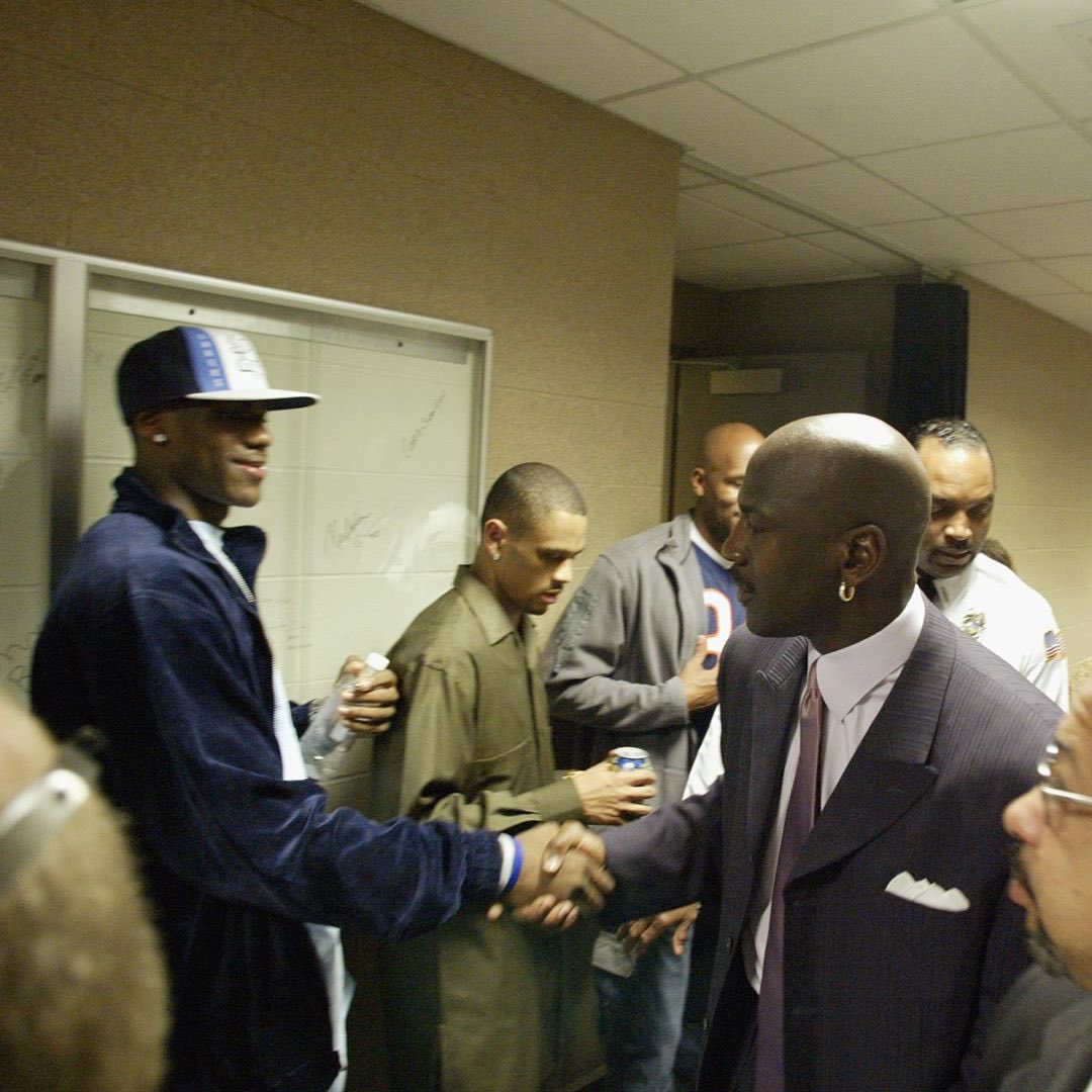 17 years ago today @KingJames met Michael Jordan wearing the Nike Shox VC2 🐐🤝