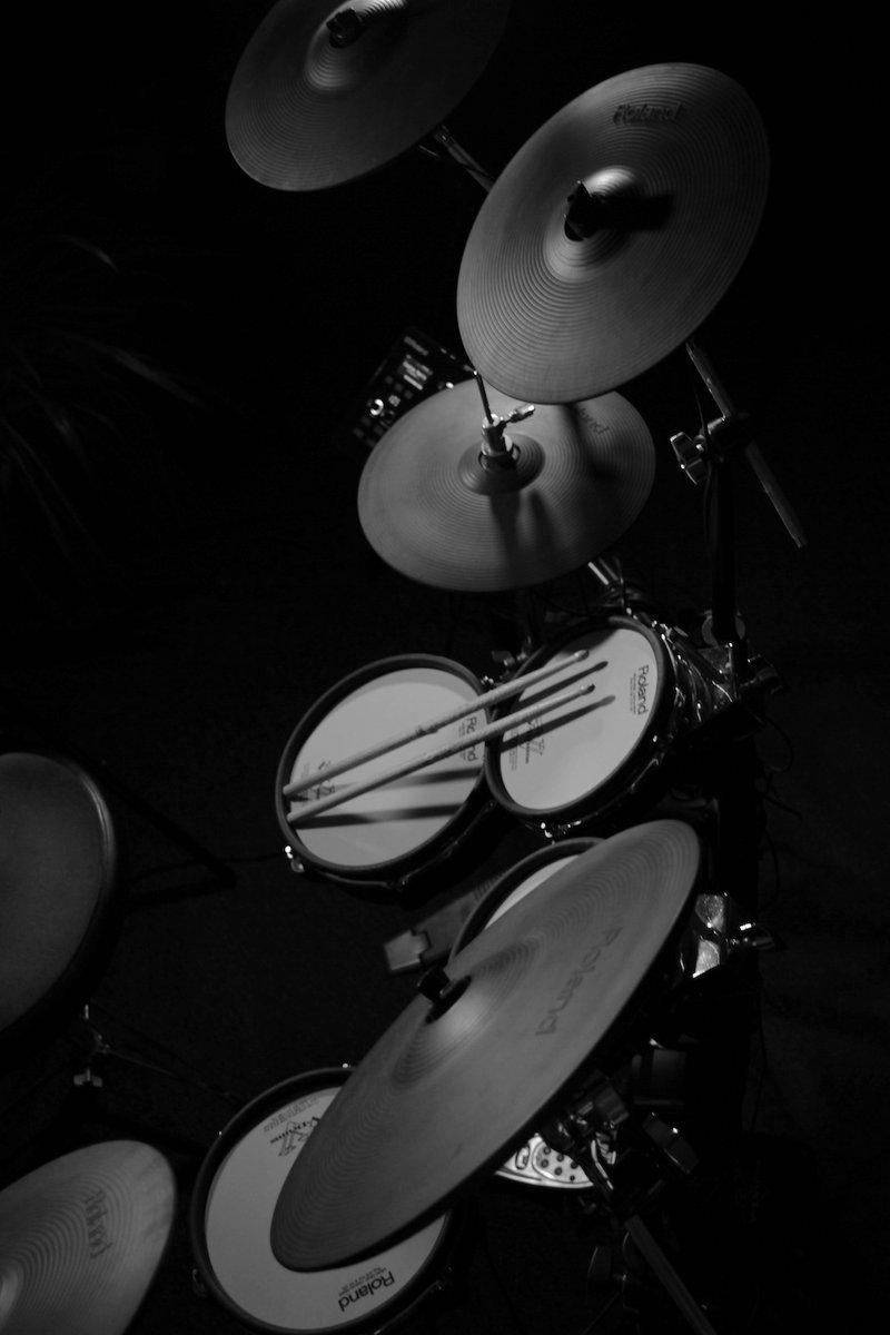 stuudio glo !!  #music #producer #recordingstudio #artist #pop #hiphop #rock #recording #newjersey #filmscore #artistic #film #soundtrack #recording #creativity #studiolife #photography #newjerseystudio #mastering #melody #drums #guitar #vocals #songwriting #mixing