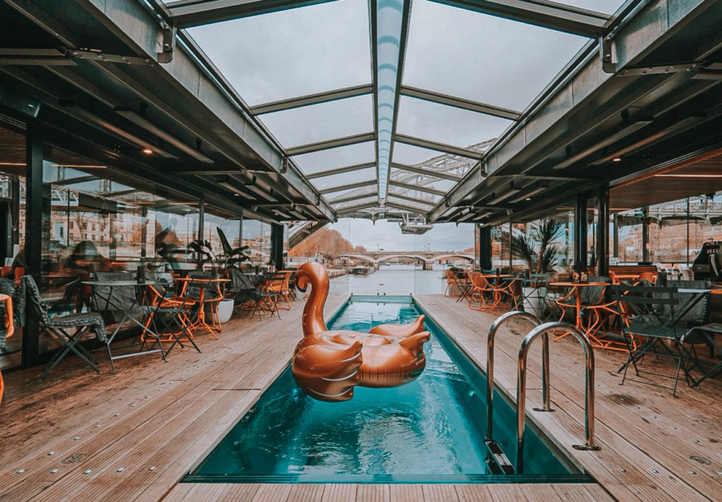 Did you know you could plan an entire day on the river #Seine in #Paris? Start with an #EarlySwim, have a #FunBrunch, take a #CookingClass, visit a museum, enjoy a cocktail & a show, dine at chef #AlainDucasse's & dance all night  https://bit.ly/3aSuvB8  via #DeluxeConfidential pic.twitter.com/1Pi6QqUJ1F