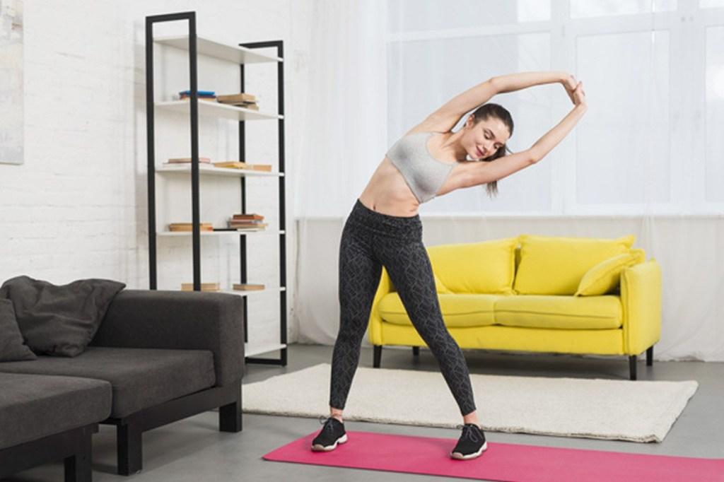 लॉक-डाउन के चलते है बंद जिम तो घर पर ही करे ये एक्सरसाइज #womensbyte #lockdown #workoutathome #workout #gym #healthylifestyle