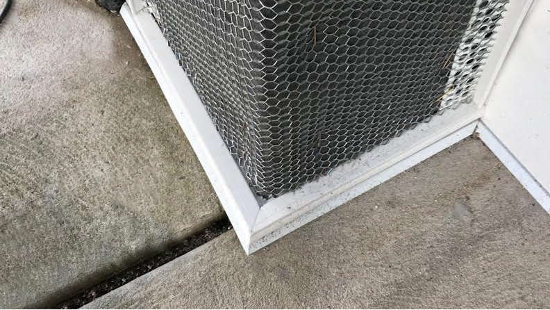 Maximize the health of your walls. On your next stone or stucco project be sure to use #AMIFLOWDrainScreed at the base of your wall🏠. Click to find out more about this product! #AMICO #BuildingProducts ➡️https://t.co/DNmtrbaMEx https://t.co/iDmJYuSyTz