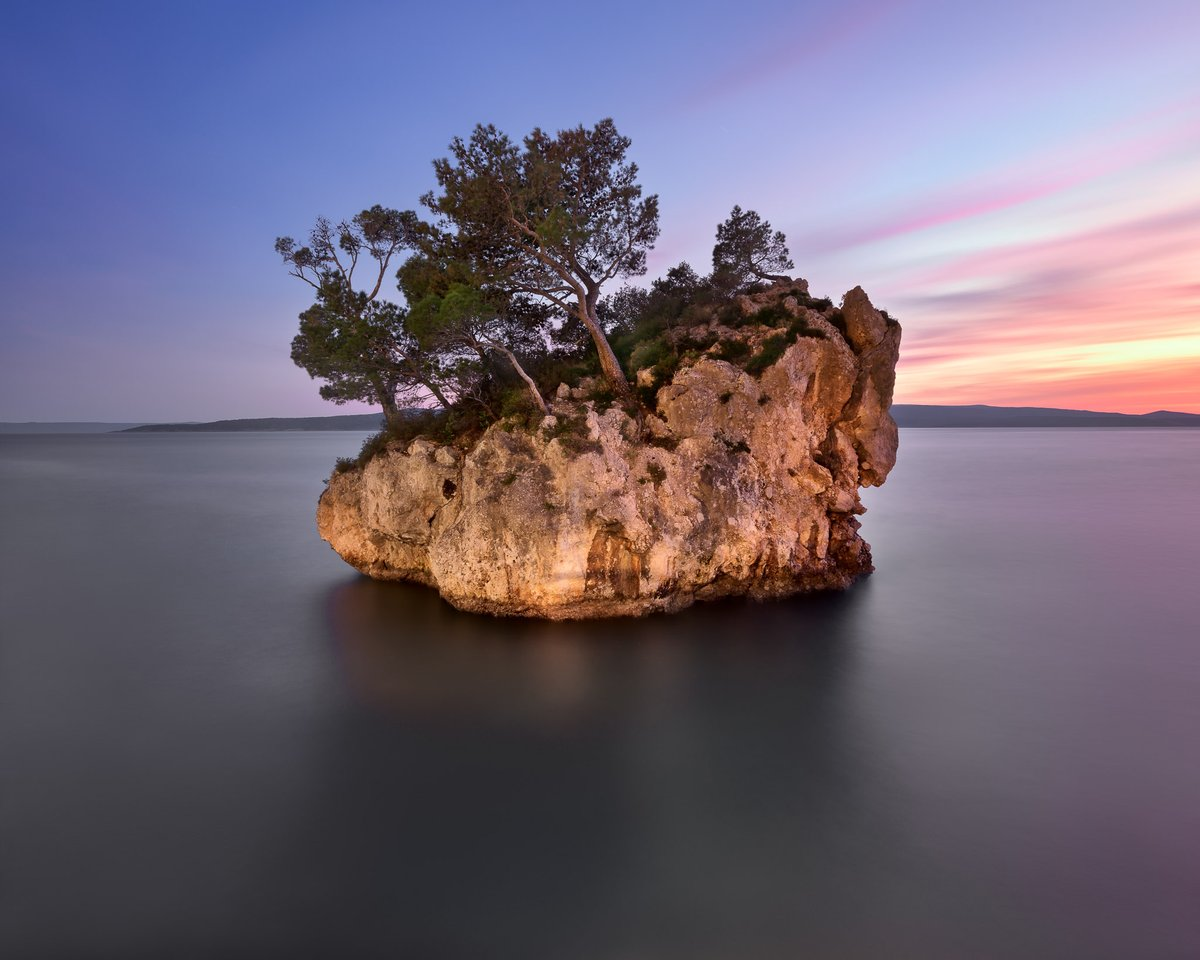 The Famous Brela Rock in the Evening, Brela, Dalmatia, Croatia #Photography #Travel #Croatiapic.twitter.com/0QlMvluD7o