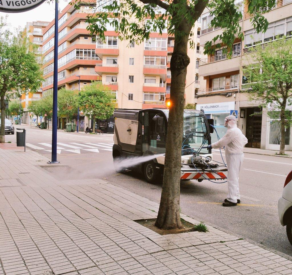 Moito máis que aplausos 👍🏼💪🏼 #loves_galicia #vigo #sairemosmaisfortes #quedatenacasa #pasapacasa