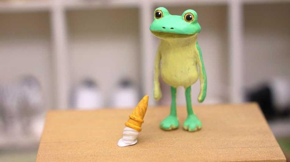 200RT 虚無顔が愛らしい…… 粘土で作られた「すべてがおしまいになったカエル」がかわいそうだけどかわいい