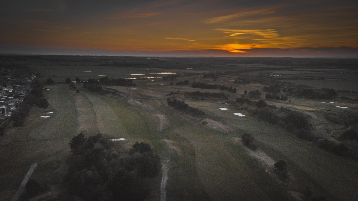 These sunset views are just something else  @DJI #Mavicair<br>http://pic.twitter.com/EMiCZm3mlP – à Whitley Bay Golf Club