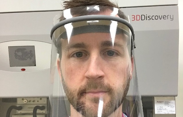 The @QMUL community, including researchers and support staff from @QMULSEMS and @QMEECS are 3D printing new visors to assist the #NHS with urgent requirements for personal protective equipment #PPE to combat the #COVID19 outbreak. Read the #QMStory-