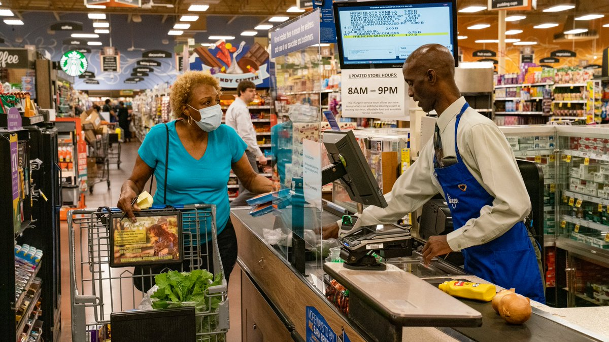 CONFIRMED: @tylerperry paid for all groceries during Seniors Hour at 44 Atlanta-area @Kroger stores. Look at these faces -- you can see the smiles and tears through the masks! https://t.co/MIm7F5Hssr