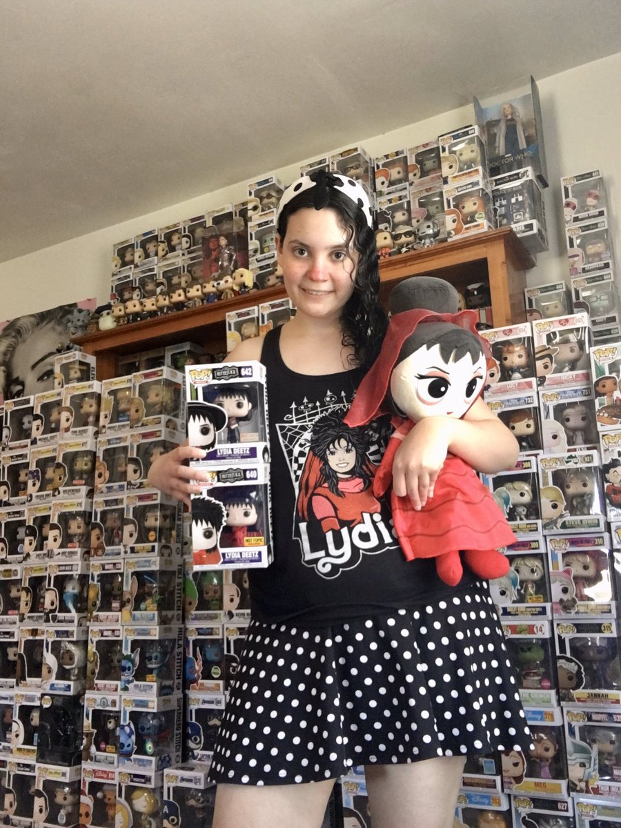 Happy Wednesday from me and my @OriginalFunko Lydia Deetz collection! Lydia tank top from @teeVillain !#selfie #cute #pretty #pinup #funkopop #funkopopcollector #funkoplushie #beetlejuice #lydiadeetz #polkadots #skirt #me #adorable #teevillainpic.twitter.com/7alSEF02M4