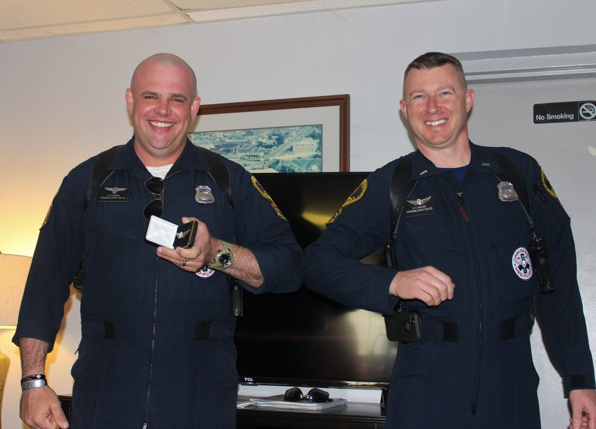 #Congratulations #VSP #Trooper-#Pilot Andrew Goss! VSP Aviation Lt. Shawn Rivard presented Trooper-Pilot Goss his Silver #Aviation Wings for achieving 500 flight hours in March...with an official #COVID19 elbow bump. #WTG #ValorServicePride https://t.co/N3VjdfslP4