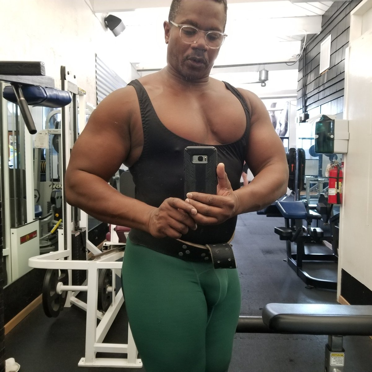 I can't wait to get back in the gym and get massive. I'm still eating to keep size. Nit sure what I weigh but then is the fun part of bulking.  #muscle #Bodybuilder #gear #spandex #tights #gymrat #bodybuilding #musclegrowth #bulking #Bodybuilder #masspic.twitter.com/8p9WaBYKJb