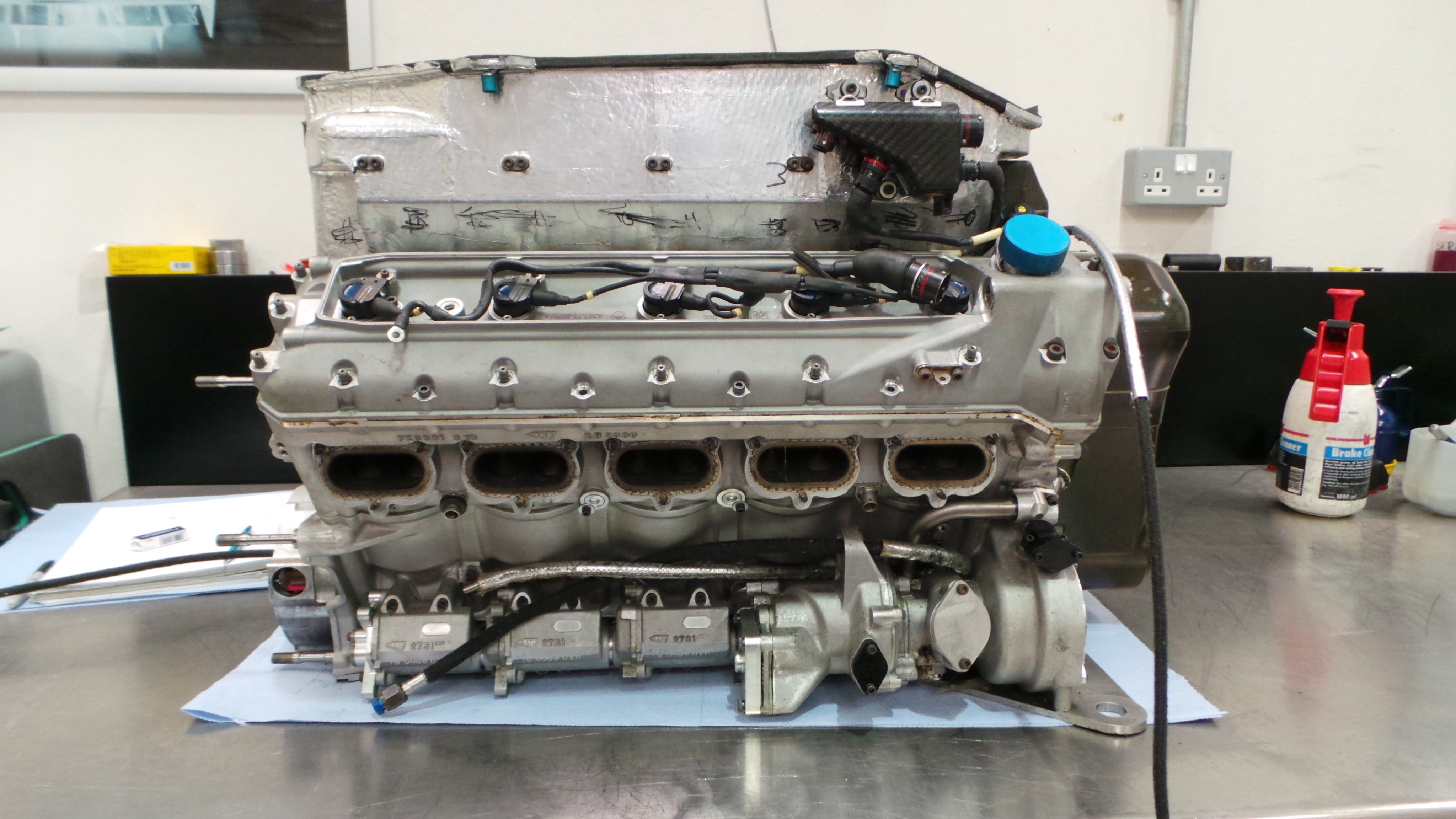 Mercedes V10 F1 Engine - Picture Thread - F1technical.net