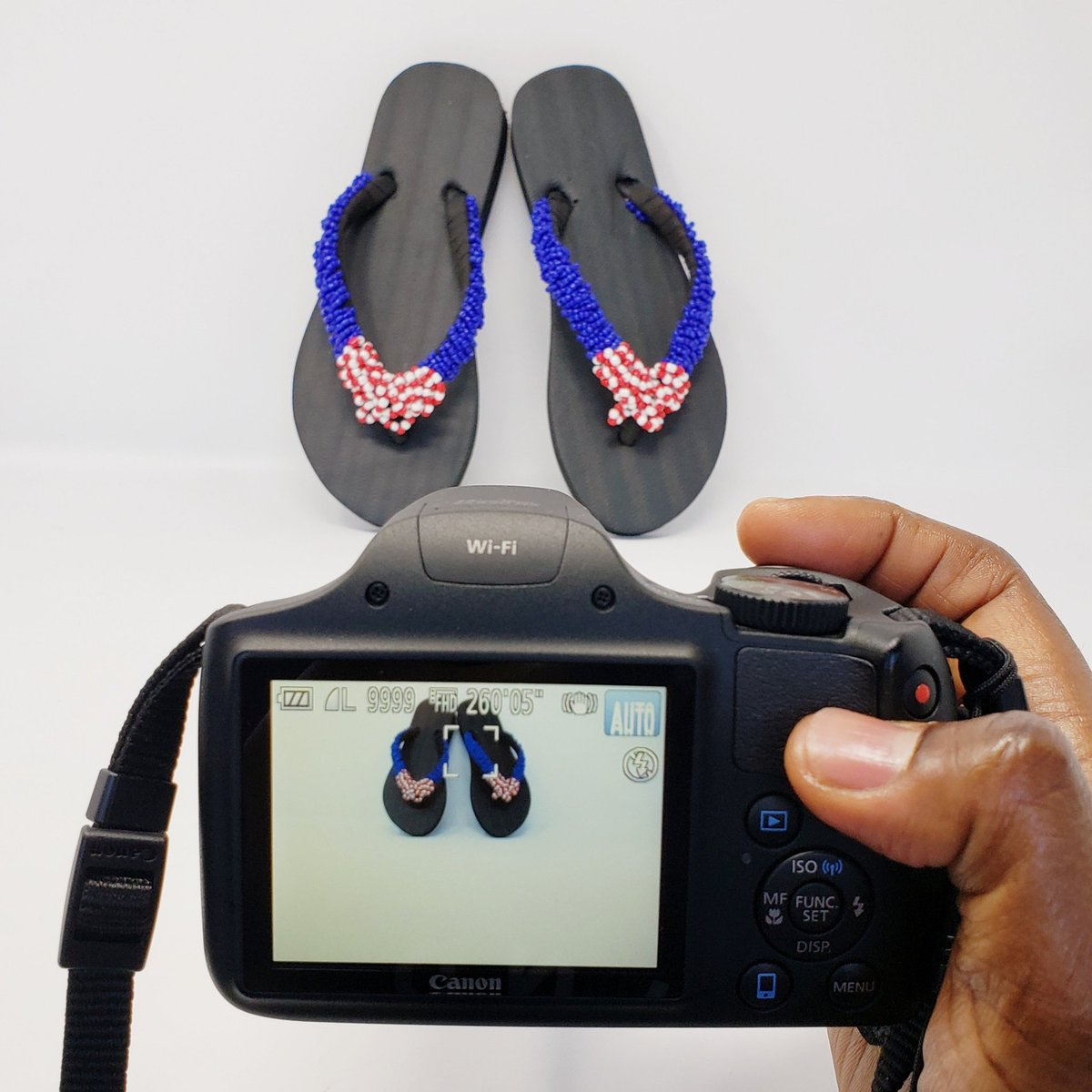 I spy with my little eye..... #photoshoot   P.S: These 'flops will be listed in the shop within the next week or two.....  #behindthescenes #keepinitreal #InnateExpressions #handmade #unique #flipflops #smallbusiness   #femaleentrepreneur #solopreneur #entrepreneurlifepic.twitter.com/xtnFPH7LqS – at Alexandria, VA
