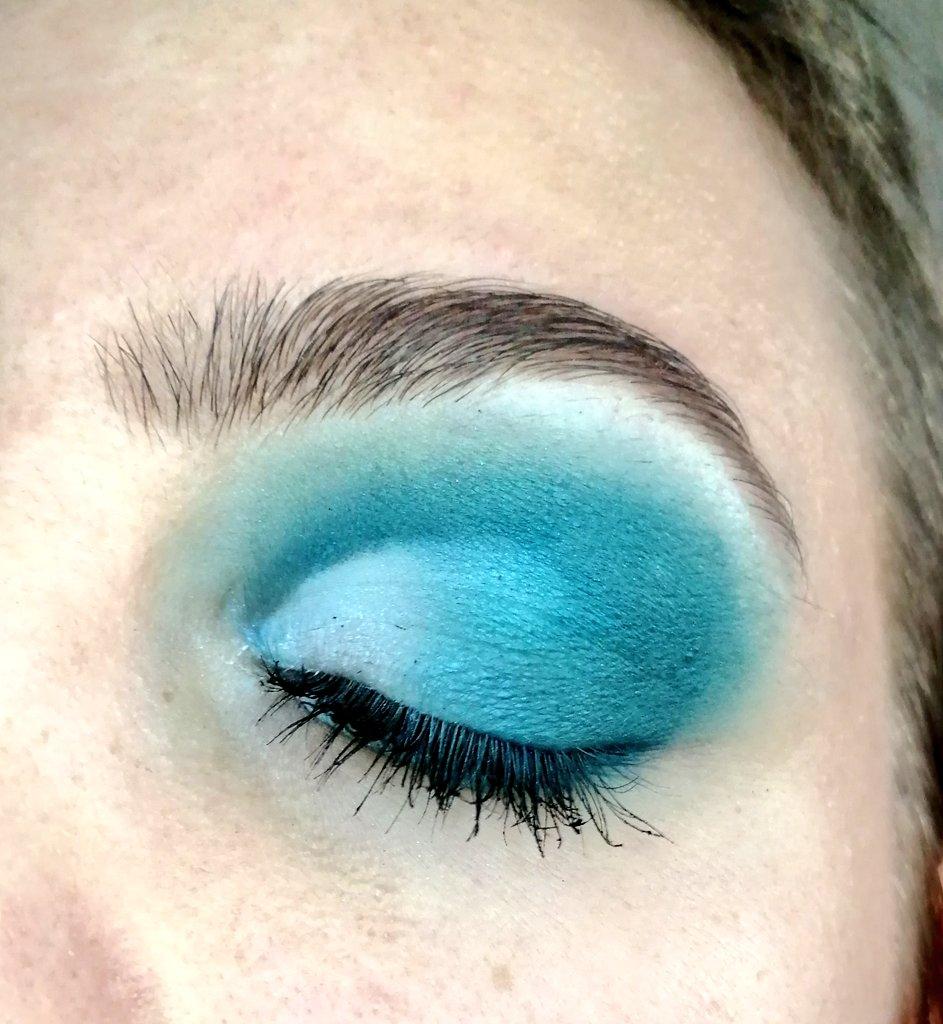 🌊 #makeup #blue #beginner
