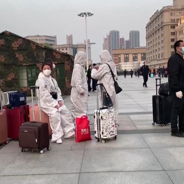 For the first time in 11 weeks due to the coronavirus lockdown, people drove out of Wuhan as the last travel restrictions were lifted. Thousands boarded the first trains leaving the Chinese city where the COVID-19 pandemic emerged. https://ti.me/3e4swvI pic.twitter.com/yBc6tBMfq8