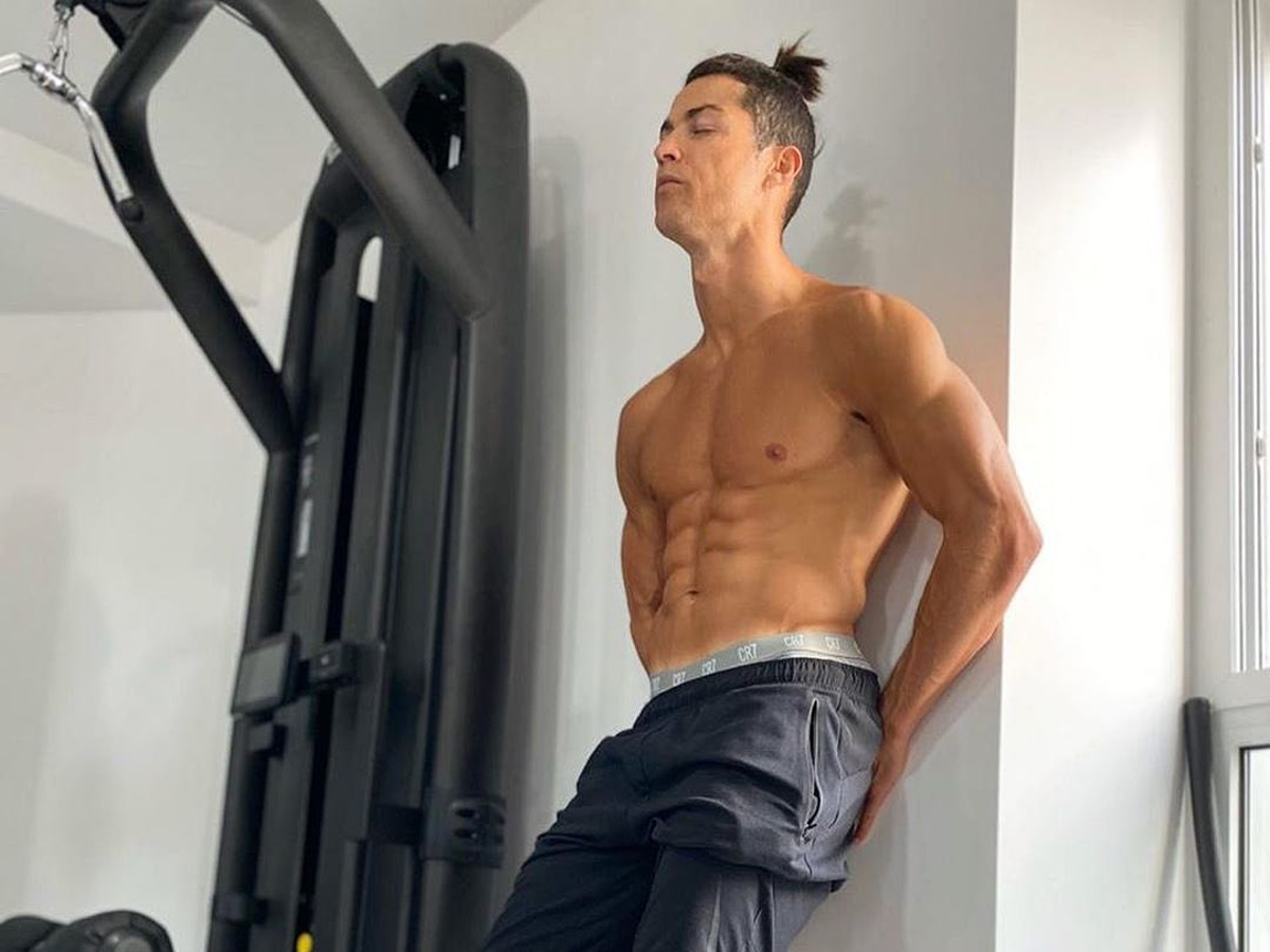 Không muốn trở lại Italia, Ronaldo 'chơi xấu' Juventus