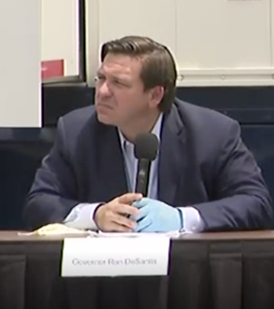 How not to use gloves by @GovRonDeSantis.