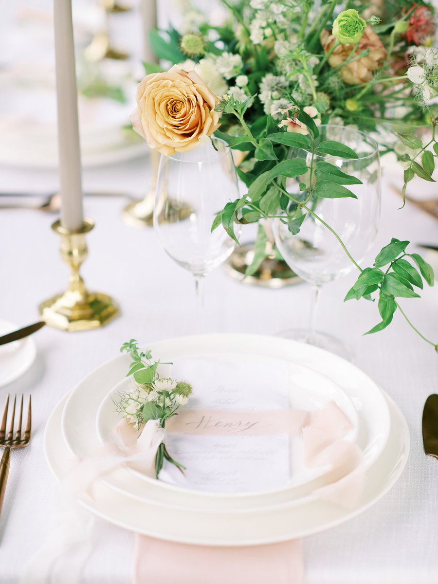 This design by Jacqueline Rae Weddings is like a breath of fresh air! #weddingwednesday  Create this place setting with: •Bone Coupe Plates •Brushed Copper Flatware •Blush Napkins •Winelovers Glasses  Photo: Kristyn Harder Photography Floral: @hanakifloralpic.twitter.com/dsAPGGG9cL