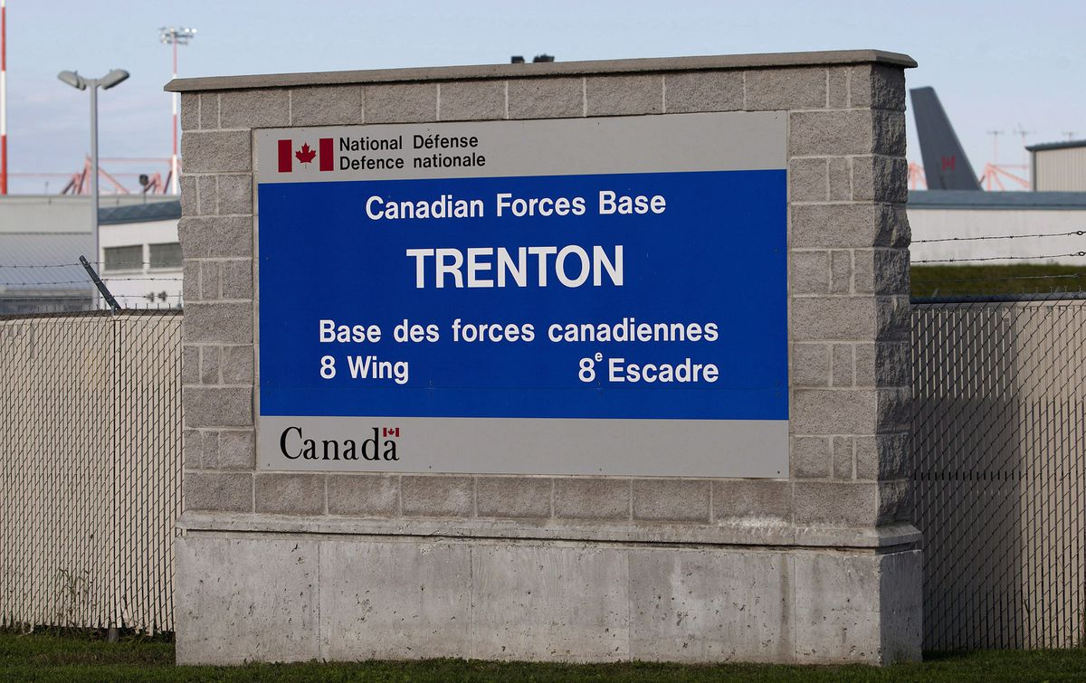 First Canadian troops return from Ukraine, in quarantine at Ontario military base