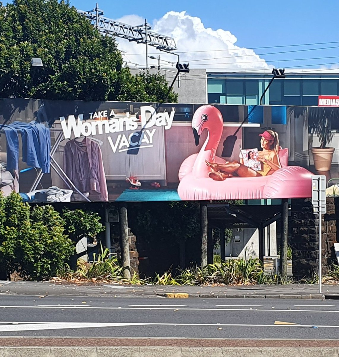 I think #bauer took this billboard a bit too literally. Looks like it may be a permanent vacay. #parnellpic.twitter.com/JP1n9SMnZw
