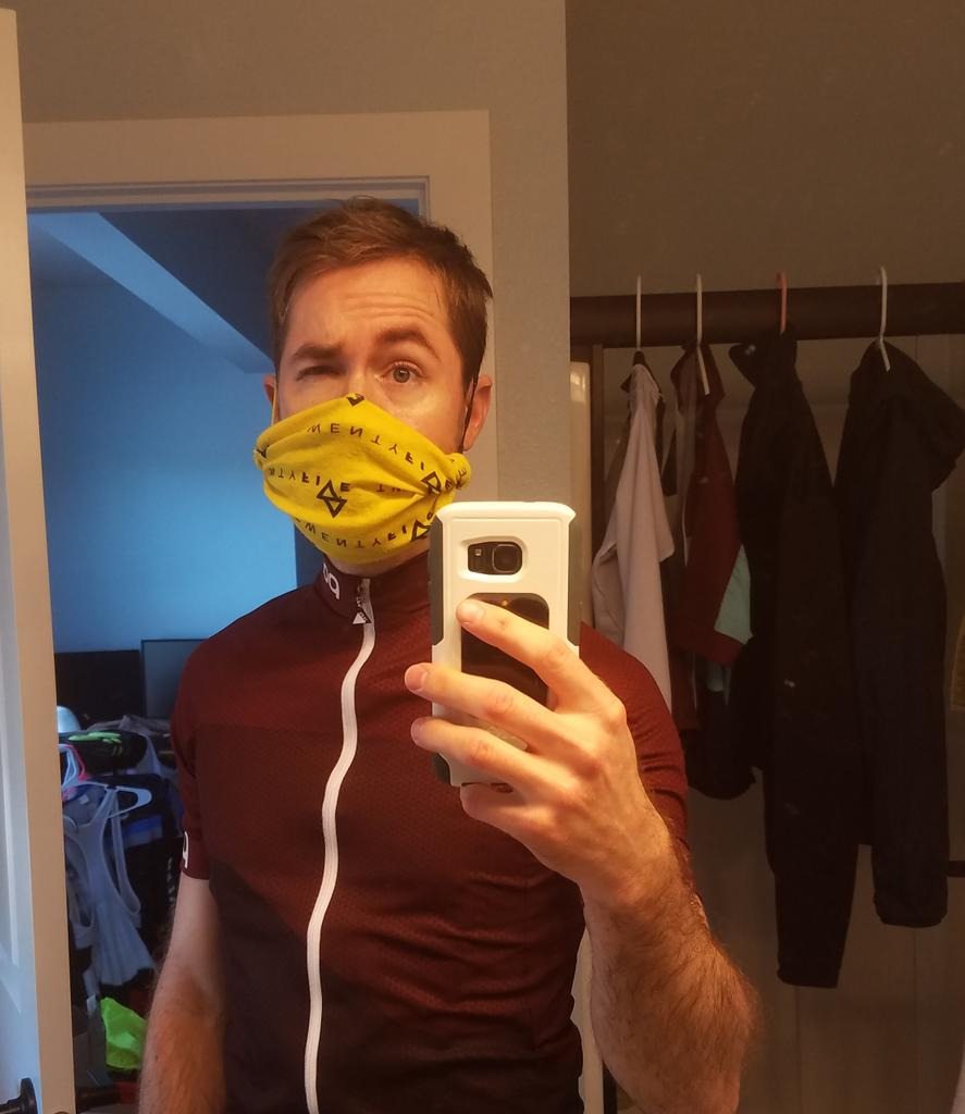 If you have a buff and two hair ties, you can girth hitch the hair ties on either side to make a quick mask. Temps are getting hotter and I don't always like a buff on the back of my neck.pic.twitter.com/2vUIGrmx3m