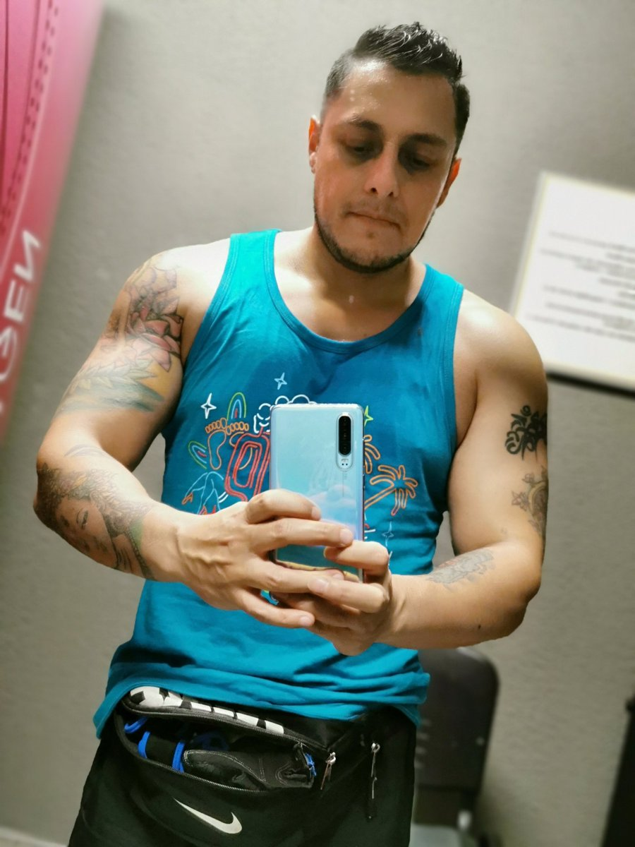 #workout #gym #pesas #personaltrainer #entrenador #routine #fit #fitness #FitnessMotivationpic.twitter.com/FoTaesO2rd