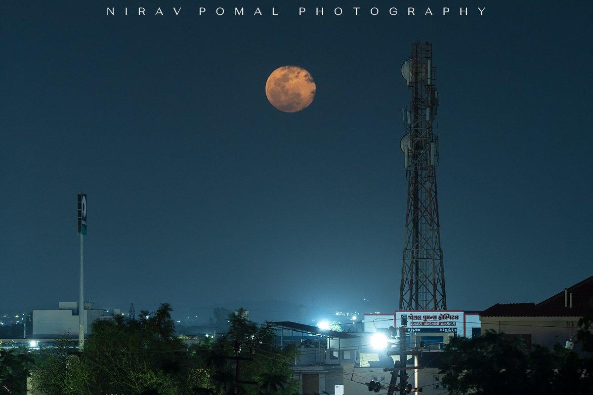 Super Moon 2020 Kutch, Gujarat. Nikon D500 + Nikon 200-500.  #PinkMoon #SuperPinkMoon2020 #supermoon2020 #FullMoon #Landscapes #photographyislife #nikond500 #nikon200500 @NikonIndiapic.twitter.com/T82pqtEraW