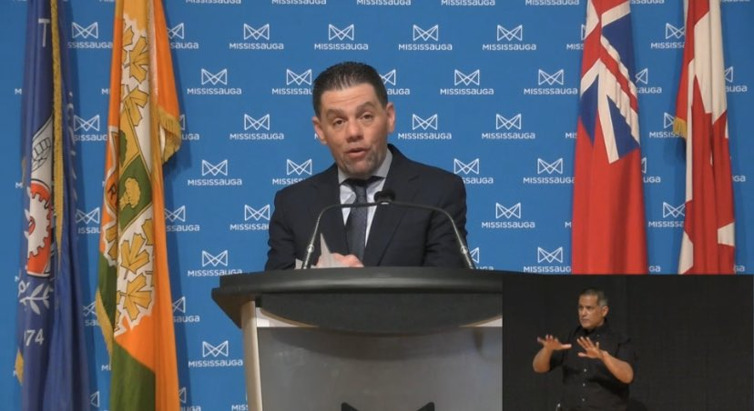 Today, we launch the #mississaugachallenge to raise $840K for the food bank system. It's ambitious but very needed! Each RT of this post I will match $1, up to $10k. @arlenedickinson + @nenshi, thanks for the inspiration - @superfan_nav @Bandreescu_ are you with us? #canada  pic.twitter.com/7ddsBtbHzO