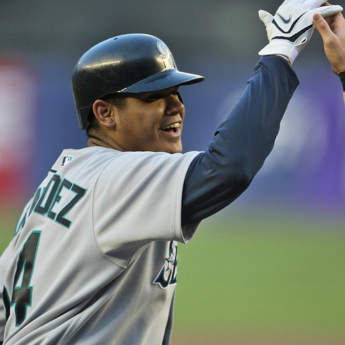 It's King Félix's birthday so let's take a look back at the time he hit a grand slam off Johan Santana.