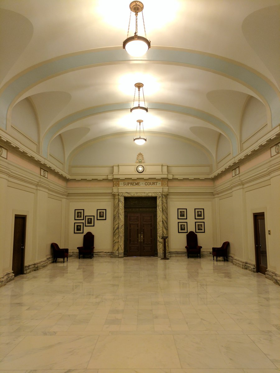 Before and After. 2nd floor corridor leading to the Supreme Court.pic.twitter.com/erBsSEHrDc