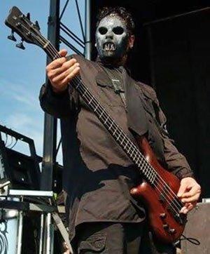RT@ Punk77Rocker RT 77MASH: #OnThisDay, 1972, born #PaulGray... - #Slipknot pic.twitter.com/uFc0YomhcP