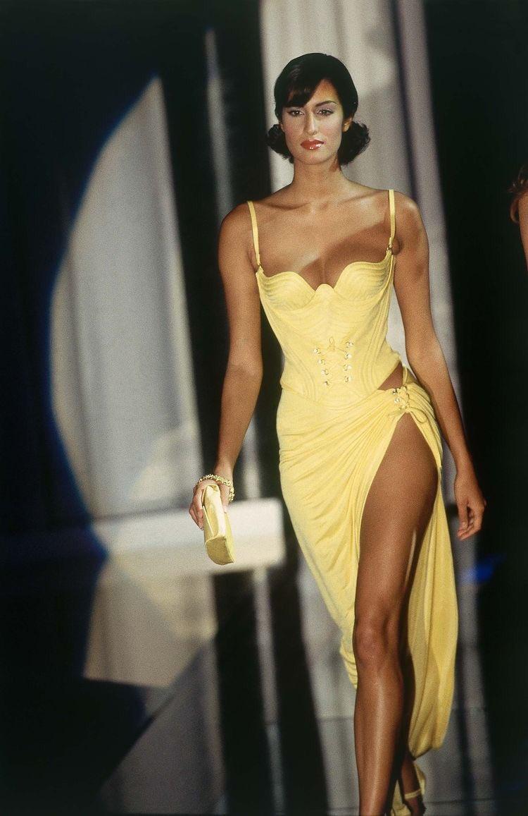 Yasmeen Ghauri - Versace SS 1995