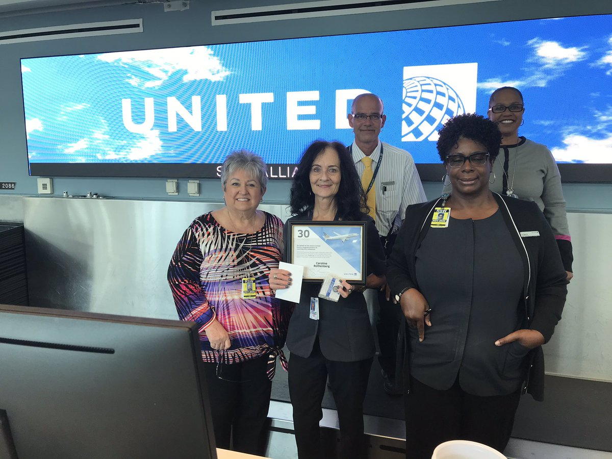 @weareunited @LouFarinaccio Fort Myers Caroline Rothenberg celebrates 30 years with United! Great milestone Caroline and appreciate your contributions providing Fantastic customer service over the years here in RSW!