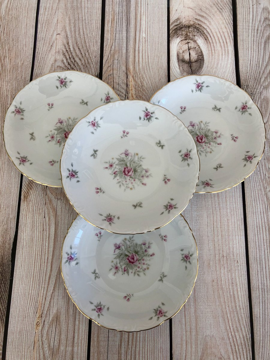 Excited to share the latest addition to my #etsy shop: Vintage Soup Bowl, Meito Pink Floral Rose Lane China Bowls- Set of 4 https://etsy.me/39PsMLG  #housewares #white #wedding #pink #madeinjapan #meitochina #floralchina #vintagechina #shabbychicpic.twitter.com/DfPCGGMRPK