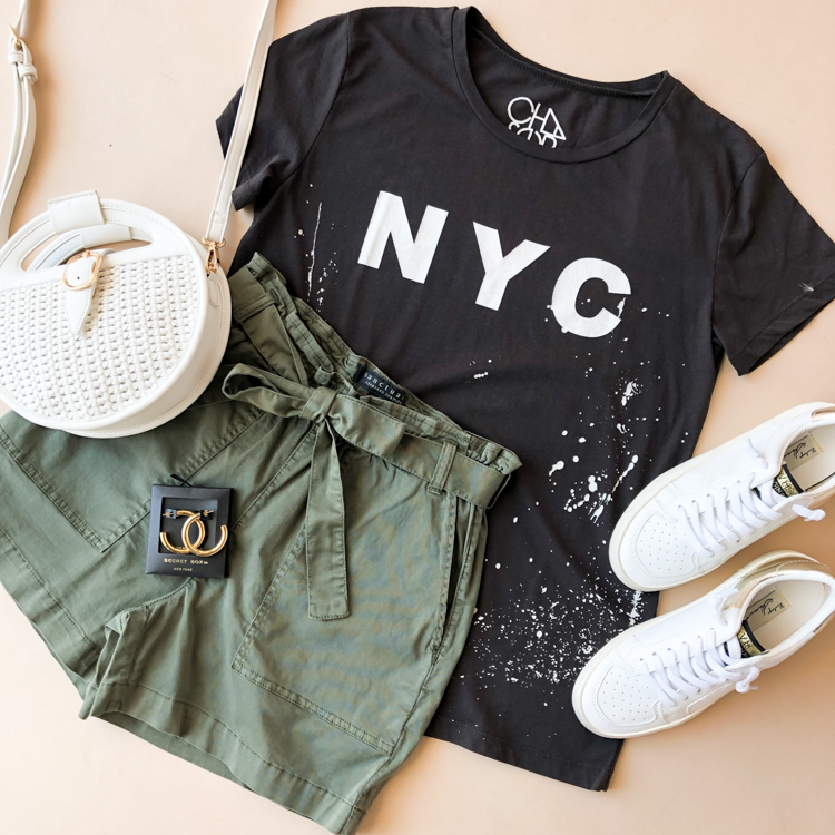 New York state of mind🌃 . . . #HandInPocket #StayHip #ShopLocal #FreeShopping #Chaser #GraphicTee #AddToCart #Love #Online #Shopping