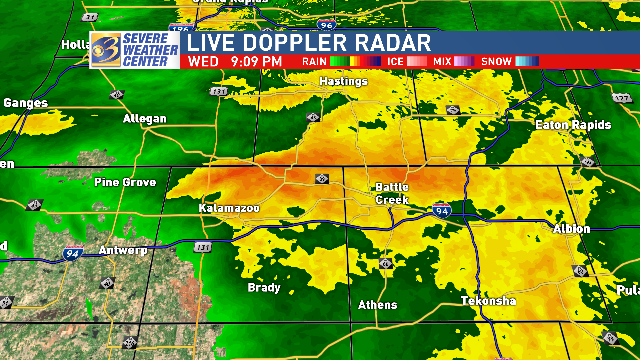 Chilly rain continues steadily in Kalamazoo and Battle Creek now. #MIwxpic.twitter.com/77KdlHbUPN
