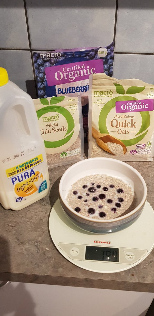 I hated it at first, but have developed a recipe I like. 10 gm oats, 25 gm chia, 1/2 cup milk, 40 gm blueberries. Soak overnight.pic.twitter.com/JJAf30qHwQ