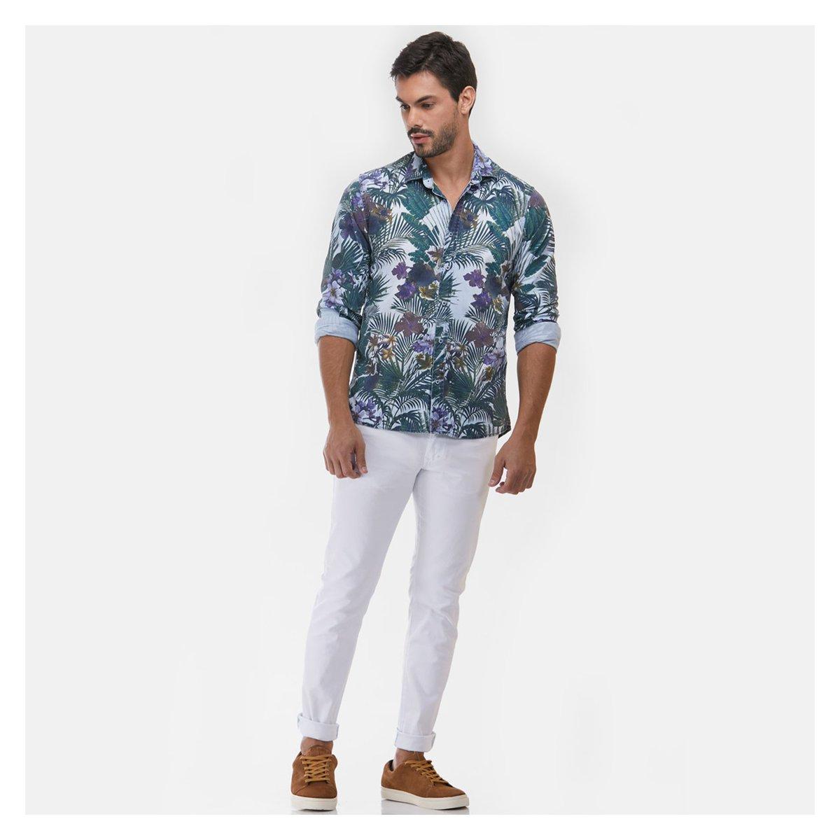 Aquele style único que a camisa Japão tem 🤘🏼😎 Disponível no site |   #socialmasculina #social #socialmangacurta #camisasocial #modamasculina #style #trendy #serafine #srfn #amarcadapena #viscose #camisadeviscose #conforto #leveza #vistaserafine