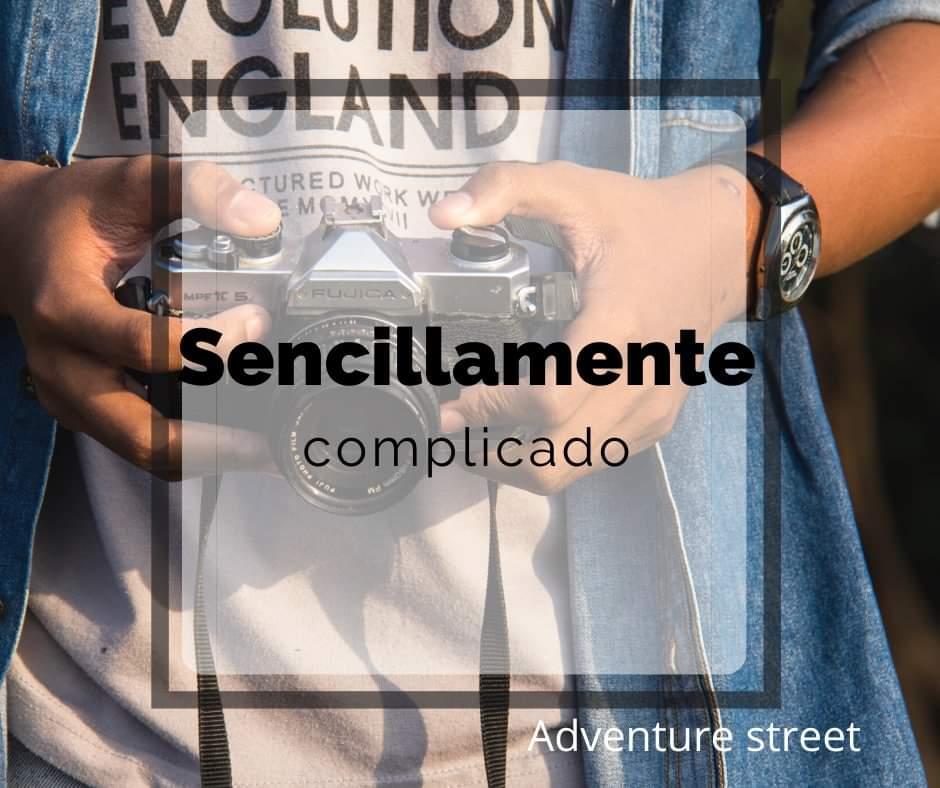 Sencillamente complicado.  #style #Adventurestreet -Adventure street.  ILUSTRACIONES photograph pic.twitter.com/OuX4OVTkDO