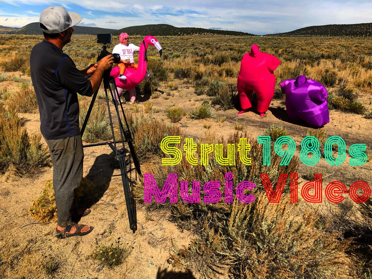 Pink Flamingo  in the desert! @ffecreative director  Tim Cash has the camera  rolling on set of the 'Strut-1980s' #MusicVideo  off the Gravity - @TheAstronot  #soundtrack . Many thanks to @WCCATV13  for the stream of the video this Fri Apr 10 at 9pm! #filmmakingpic.twitter.com/0wnmWfcFRa