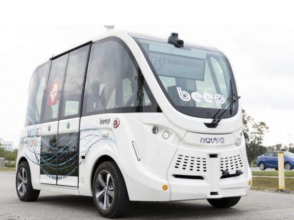 米フロリダで自動運転シャトルが新型コロナテスト検体や医療物資を運搬