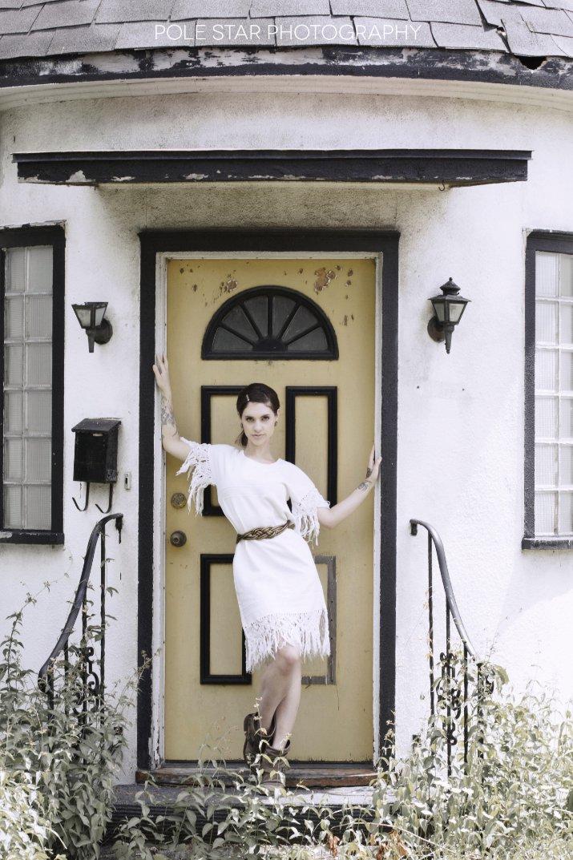 https://www.instagram.com/p/B-rbrWQFQBE/ #altmodel #frozenneptune #boho #vintage #70sfashion #inkedgirls #girlswithtattoos #country #doorstep #girlnextdoor #summer #ottawaphotographer #ottawamodelpic.twitter.com/JIBT8ZjWIU