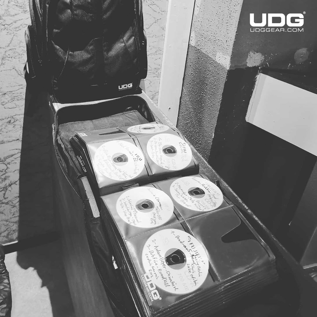 Keep your CD collection in a safe place by @SteveLooney #UDG #UDGGEAR #Deejay #Producer #DJLIFE #UDGonTheRoad #DJonTour #UDGRegram #techno #cdj #pioneercdj #technosession #technomusic #technopeople #technovibes #oldshool #backintimepic.twitter.com/LqTEHwA0wE