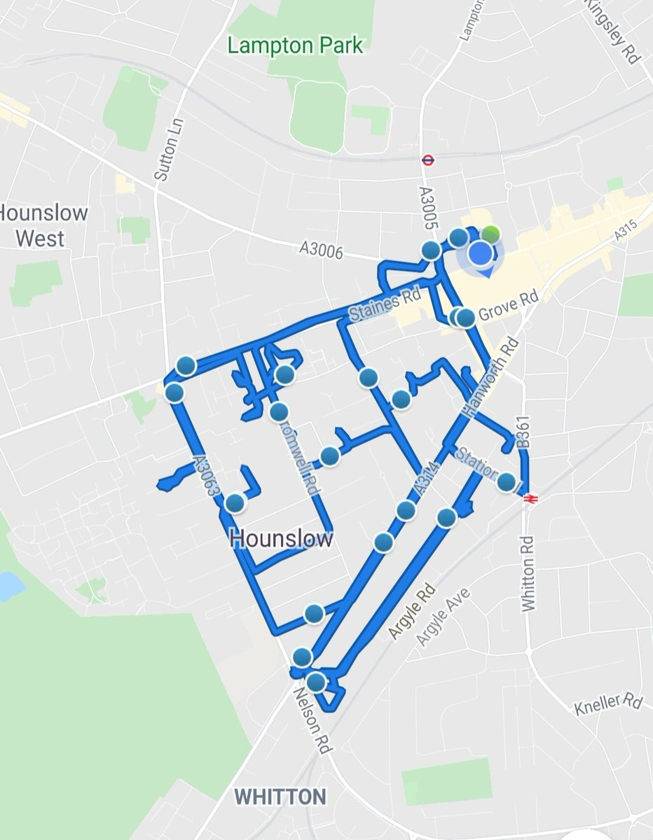 Hounslow Heath SNT officers was busy yesterday patrolling the ward  carrying out drug patrols & passing on information regarding the Pandemic we all face. visiting victims of ASB& motor vehicle crime #BeSafe #MOTORVEHICLECRIME #StayHomeSaveLives ##DontDoDrugs #antisocialbehaviourpic.twitter.com/0DDVxsOULb