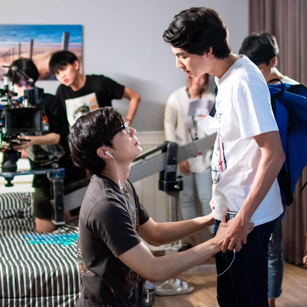 I was blown away by the director's perfectionist mindset when he decided to postpone this pivotal scene for an entire week just so MewGulf can workshop and deliver the emotions right. We stan professionals who won't compromise quality and will never settle for second best.