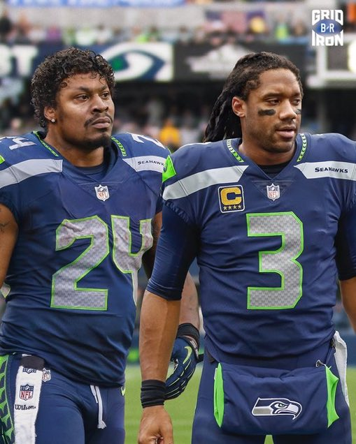 .@BleacherReport did a swap of #Seahawks Marshawn Lynch and Russell Wilson's hair .... and I'm hollering 🤣 💀 https://t.co/ZRrAQkuTQM