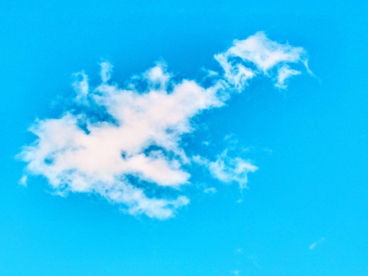 #photo #art #images #TweeterWorld #follobackforfolloback #likes #explorepage #beautiful #outside #sky #clouds